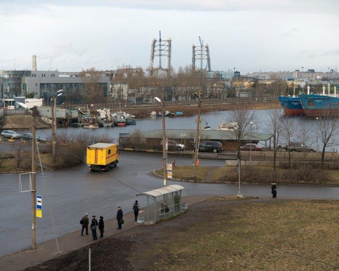 Как живется петербуржцам, над головой которых строят дорогу (22 фото)