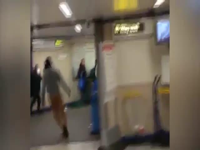 В лондонском метро обезвредили нападавшего на людей мужчину с ножом