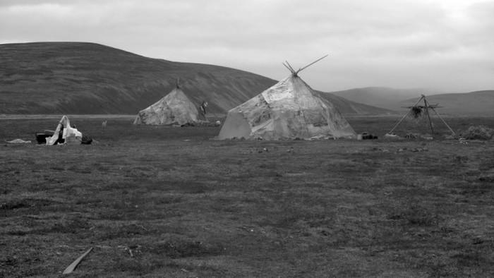 Яранга - традиционное жилище чукотских оленеводов (22 фото)