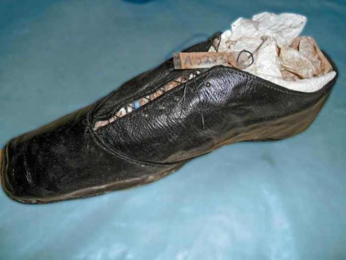 Груз и вещи с американского парохода, затонувшего в середине XIX века (11 фото)