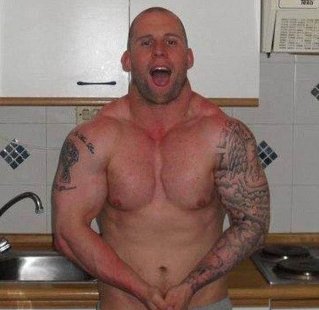 Британец превратился из простого каменщика в крутого культуриста (11 фото)