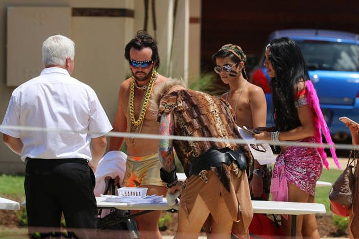 Шикарная вечеринка у австралийского табачного магната Трэверса Бейнона (45 фото)
