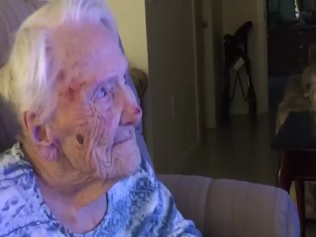 Альбина Фойзи, 101-летняя любительница поиграть в снежки, стала звездой экрана