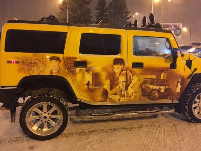 Поклонники актера Станислава Садальского удивили его необычным автомобилем (4 фото)