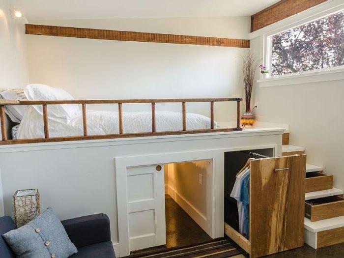 Канадец превратил старый гараж в прекрасный гостевой домик (18 фото)
