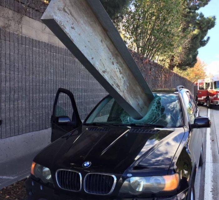 Везучий водитель BMW (3 фото)