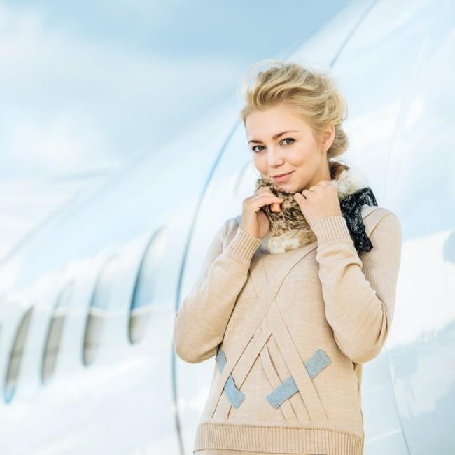 Латвийская авиакомпания airBaltic представила календарь на 2016 год со своими стюардессами (12 фото)