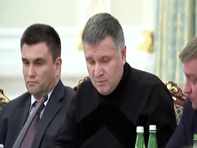 Глава МВД Украины Аваков опубликовал видео скандала с Саакашвили