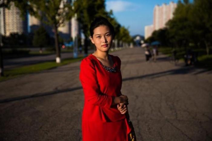 Различия между девушками Северной и Южной Кореи (20 фото)