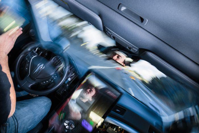 Хакер Джордж Хоц создал собственный автопилот для автомобиля (6 фото)