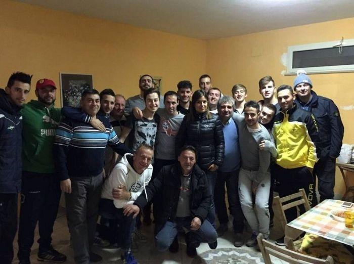 Итальянская порноактриса Сара Томмази стала директором футбольного клуба Маррувиум (14 фото)