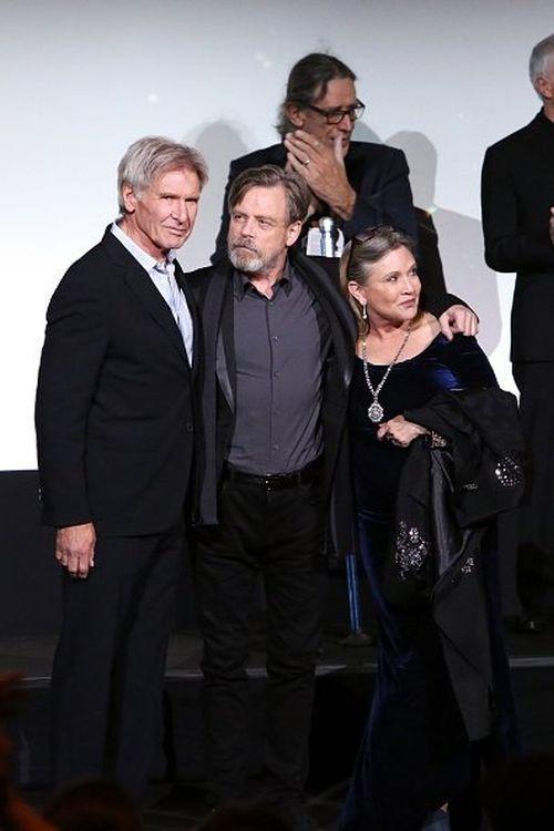 Актеры «Звездных войн» на премьерах фильма тогда и сейчас (6 фото)