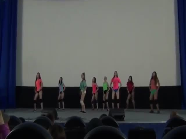 Тверк на фестивале детского творчества в Волжске