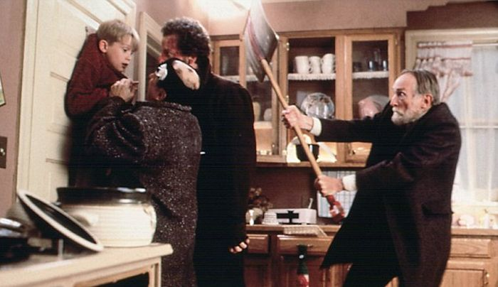 Актер Маколей Калкин сыграл роль повзрослевшего Кевина Маккалистера из фильма «Один дома» (5 фото)