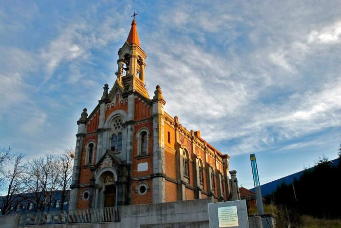 Заброшенную испанскую церковь превратили в скейт-парк (7 фото)