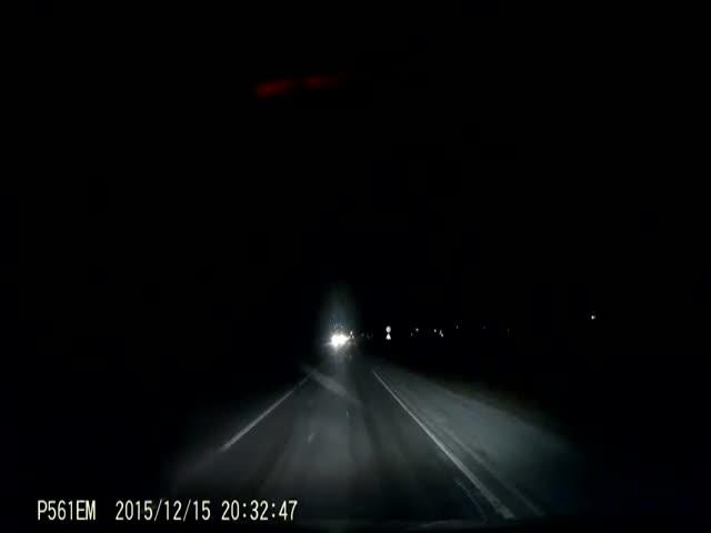 Хорошая реакция водителя спасла пьяного пешехода от смерти