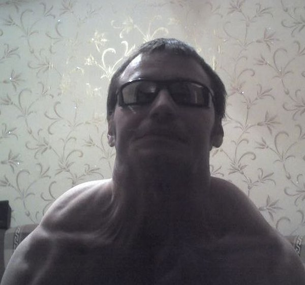 Смешная фотосессия в образе Терминатора (9 фото)