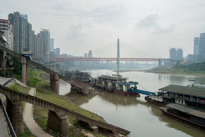 Чунцин – бетонные джунгли в центре Китая (13 фото)