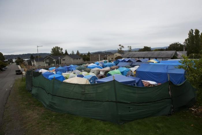 Палаточный городок «Надежда» для бездомных в США (35 фото)