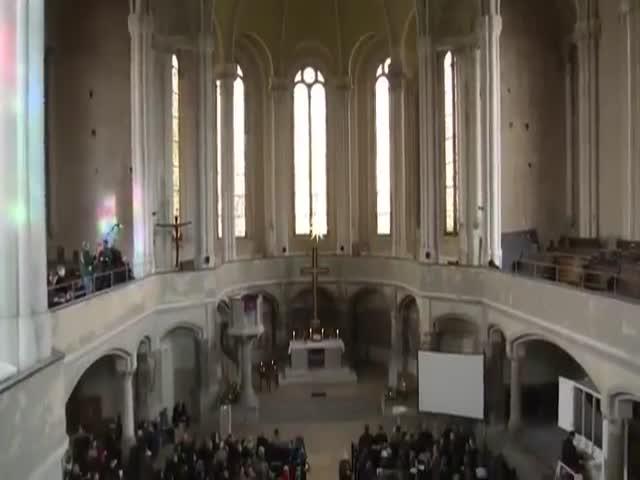 Служба в стиле «Звездных войн» в берлинской церкви