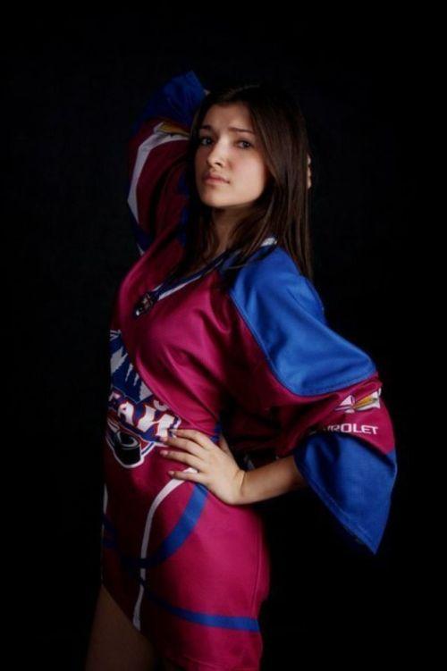Алтайские чирлидерши устроили забастовку и отказались танцевать на матчах хоккейного клуба «Алтай» (24 фото)