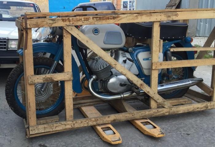 Мотоцикл Иж Юпитер-3 38 лет простоял в заводской упаковке (20 фото)