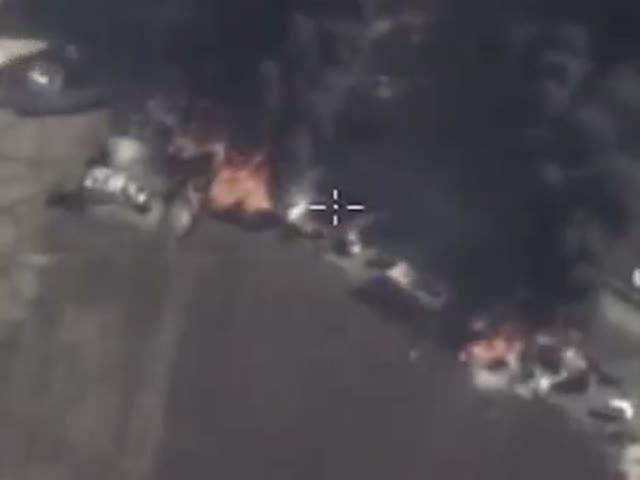 Российские ВКС бомбят бензовозы ИГИЛ