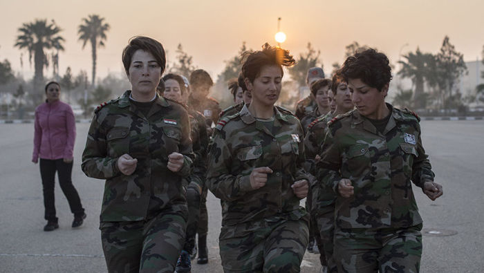 Как тренируют женщин специального женского батальона сирийской армии (12 фото)