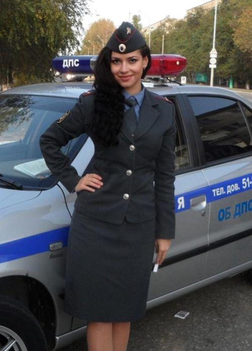 фотографии девушек в полицейской форме красивые брюнетки