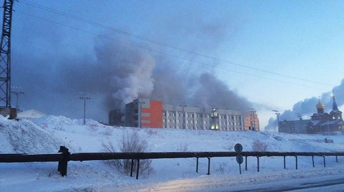 В Дудинке пенсионер устроил пожар в здании мэрии, в котором погибли три человека (5 фото)