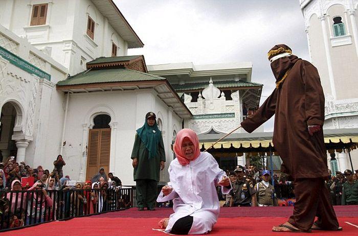 Наказание за добрачный секс аллахом женщину