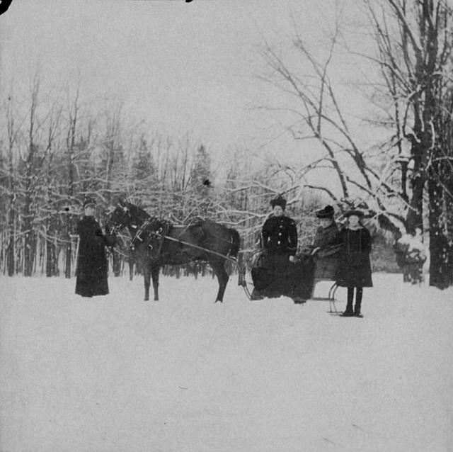 Зимние забавы императорской семьи (25 фото)