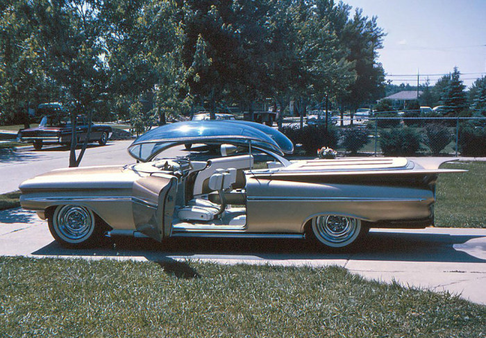 Chevrolet Ultimus - концепт, опередивший свое время (9 фото)