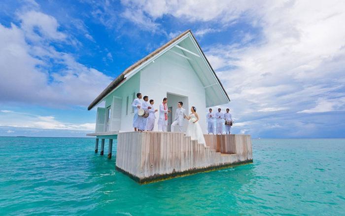 Домик для бракосочетаний на Мальдивах (5 фото)