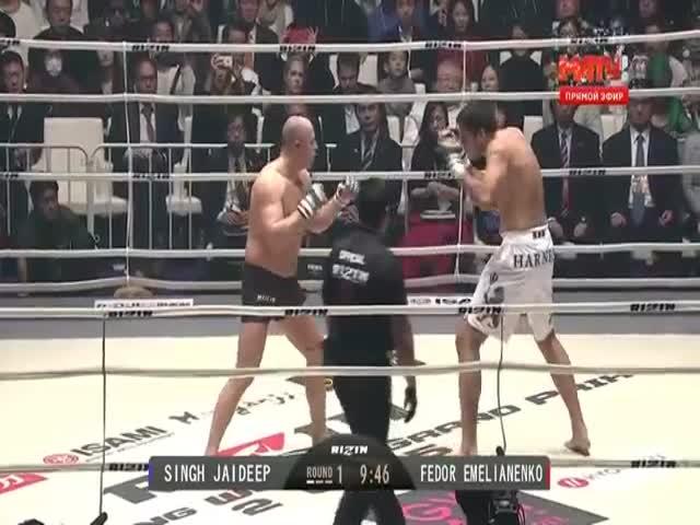 Вернувшийся на ринг Федор Емельяненко отправил в нокаут Джайдипа Сингха