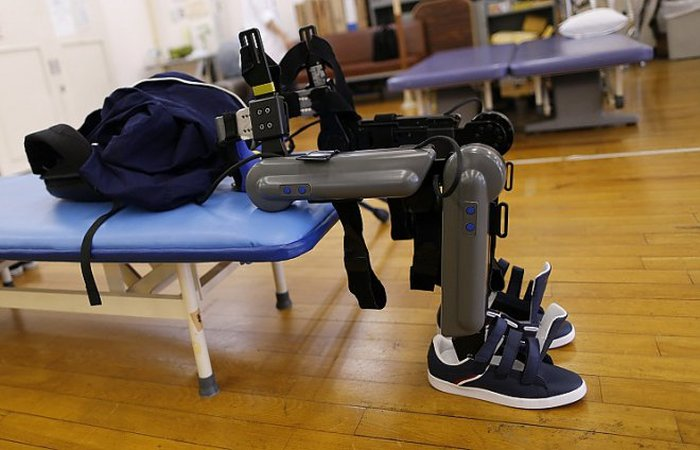 В Нижнем Новгороде создали экзоскелет для людей с нарушениями опорно-двигательного аппарата (2 фото)