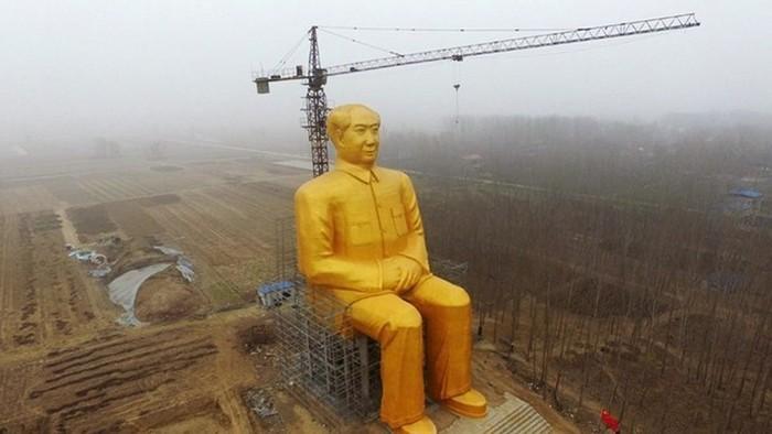 В Китае завершается строительство самого большого памятника Мао Цзедуну (5 фото)