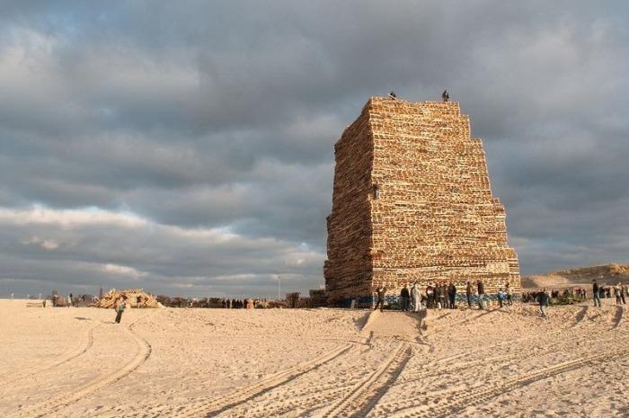 Новогодние костры в Нидерландах (9 фото)