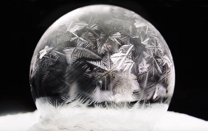 Мыльный пузырь при температуре -15 градусов Цельсия (5 фото)