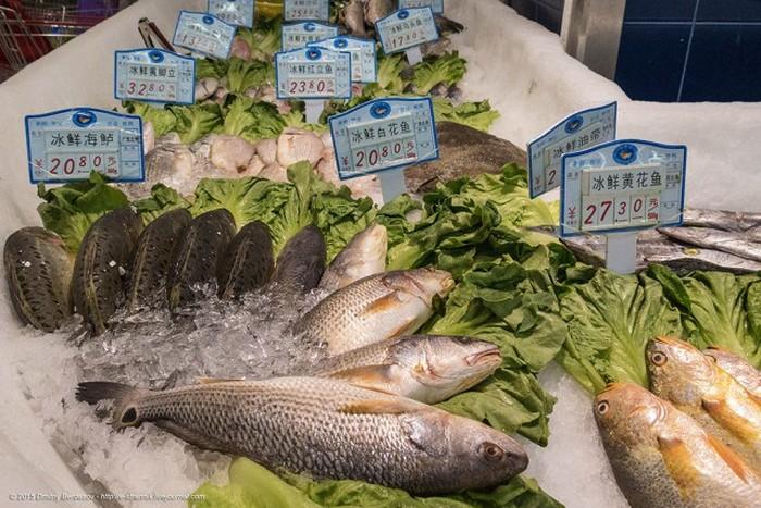 Крупный китайский супермаркет в провинциальном городе (32 фото)