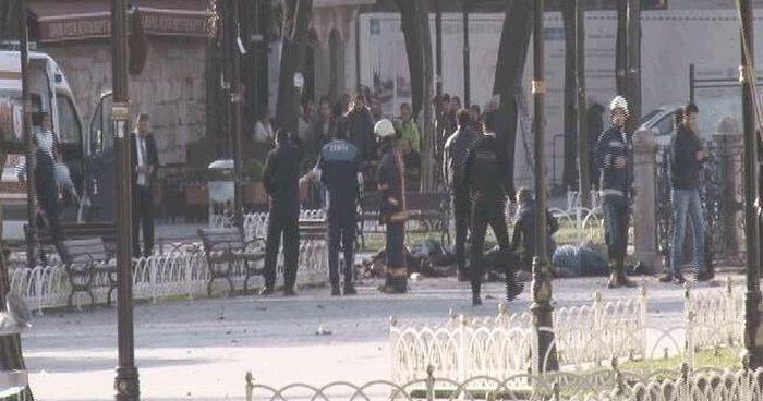 На главной площади Стамбула прогремел мощный взрыв, есть жертвы (4 фото + видео)