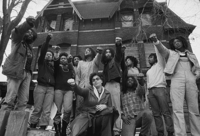 13 мая 1985 года - день, когда полиция США уничтожила целый квартал города (10 фото)