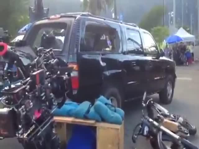 Мотоциклист чуть не убил себя и свою подругу