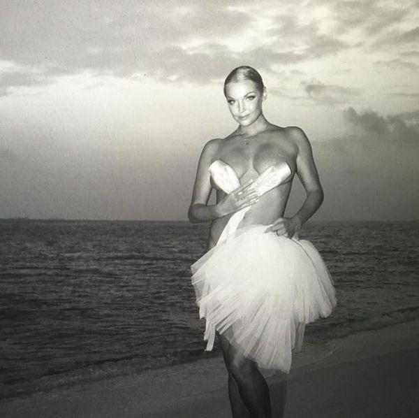 Анастасия Волочкова порадовала поклонников откровенными фото с отдыха на Мальдивах (4 фото)