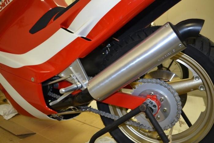 Капсула времени - «законсервированный» мотоцикл Bimota DB1SR 1987 года выпуска (13 фото)