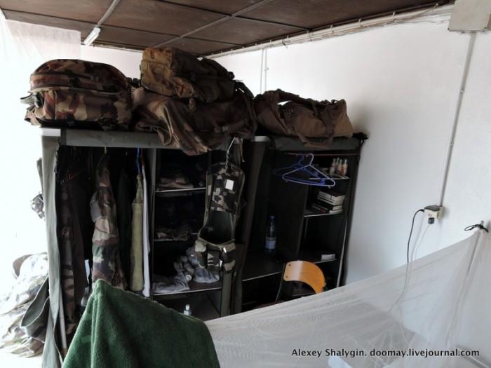 Быт военнослужащих французского иностранного легиона в Африке (31 фото)