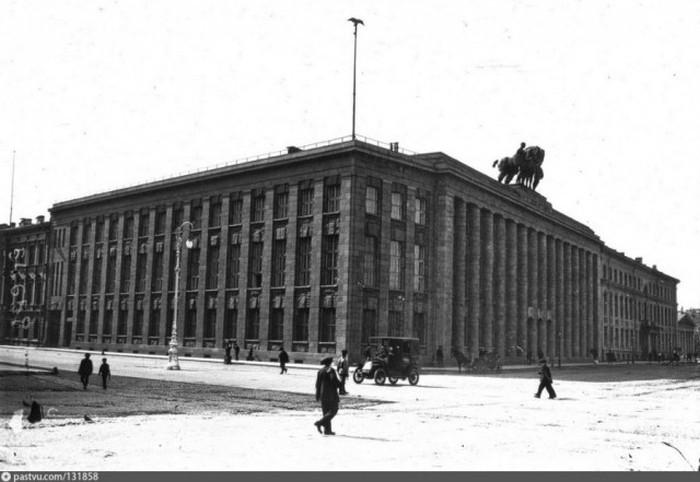 Редкие фотографии дореволюционного Петербурга (22 фото)