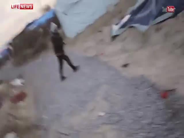 В Кале, Франция, мигранты напали на журналистов