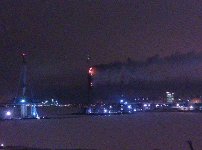В Санкт-Петербурге горит опора недостроенного моста Западного скоростного диаметра