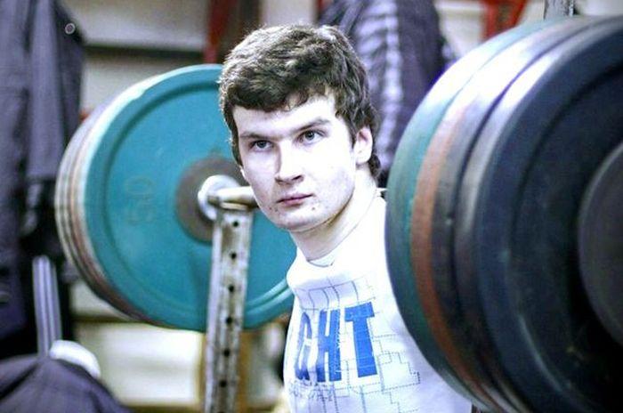 Евгений Ковальногих - пауэрлифтер без кистей рук (4 фото + текст)